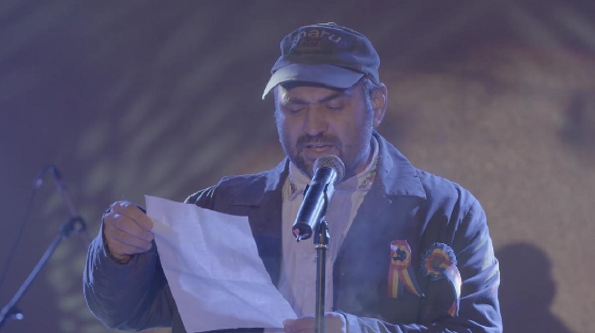 """Celentano, îndrăgitul personaj din serialul """"Las Fierbinți"""" a recitat o poezie, cu un mesaj emoționant pentru România. Celentano..."""