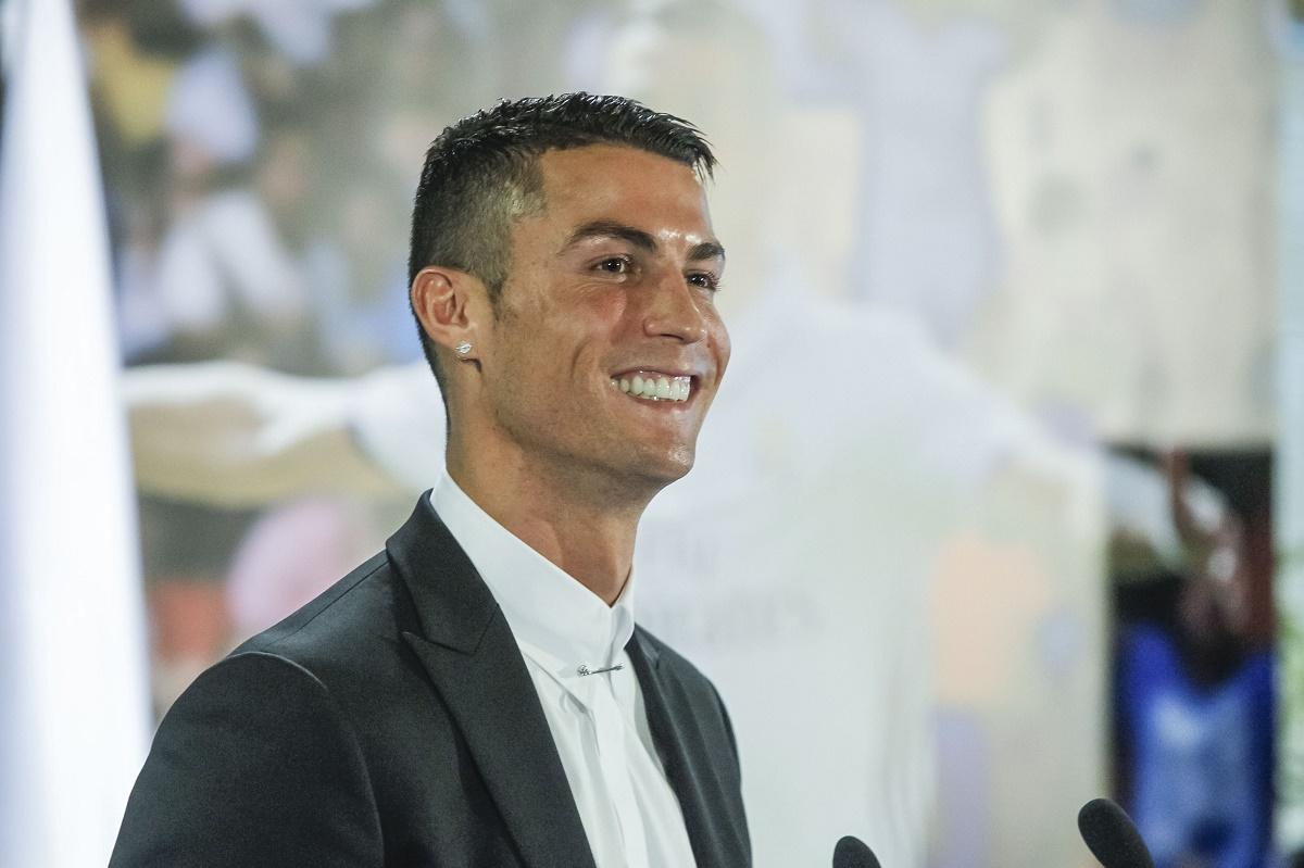 Cristiano Ronaldo a câștigat Balonul de Aur, pentru a patra oară în carieră. Distincția a fost acordată pe baza votului unui juriu format din jurnaliști