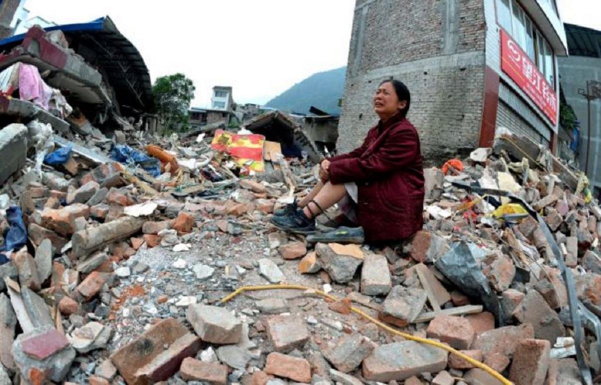 Cutremur în Ecuador. Seismul care a măsurat 5,8 grade pe scara Richter s-a produs pe coasta Ecuadorului avariind mai multe hoteluri și case.
