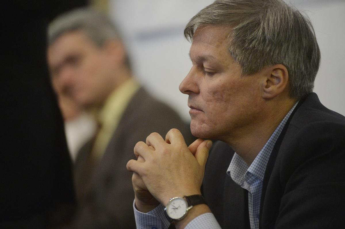 Dacian Cioloş, ACCIDENT de circulaţie! Care este starea fostului premier