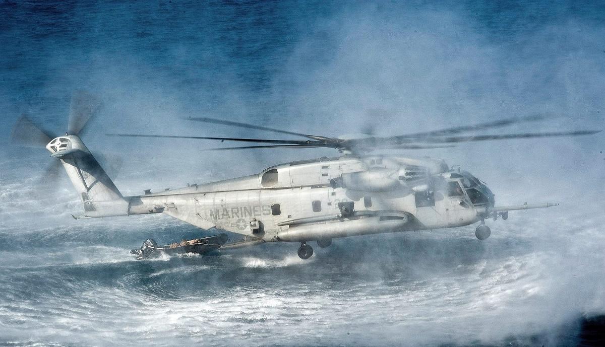 Elicopter prăbușit în Texas. Aparatul de zbor de tip Apache aparținea bazei Ellington Field. Acesta se afla într-un zbor de antrenament.