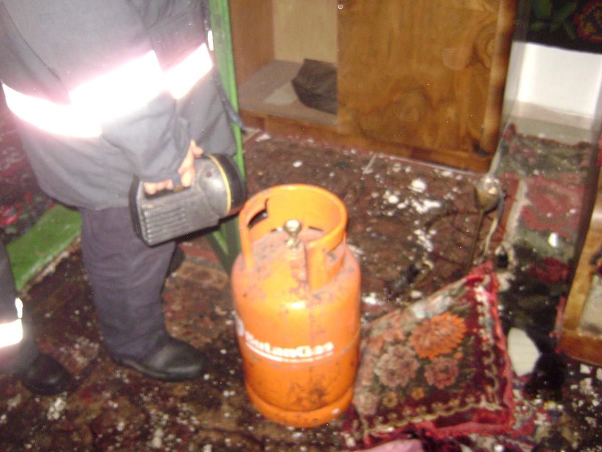 O casă a explodat din cauza unor scăpări de gaze de la o butelie