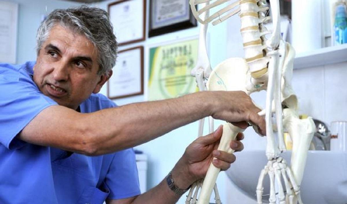 Gheorghe Burnei a fost suspendat din funcțiile de prodecan și profesor la Facultatea de Medicină a UMF București, după ce...
