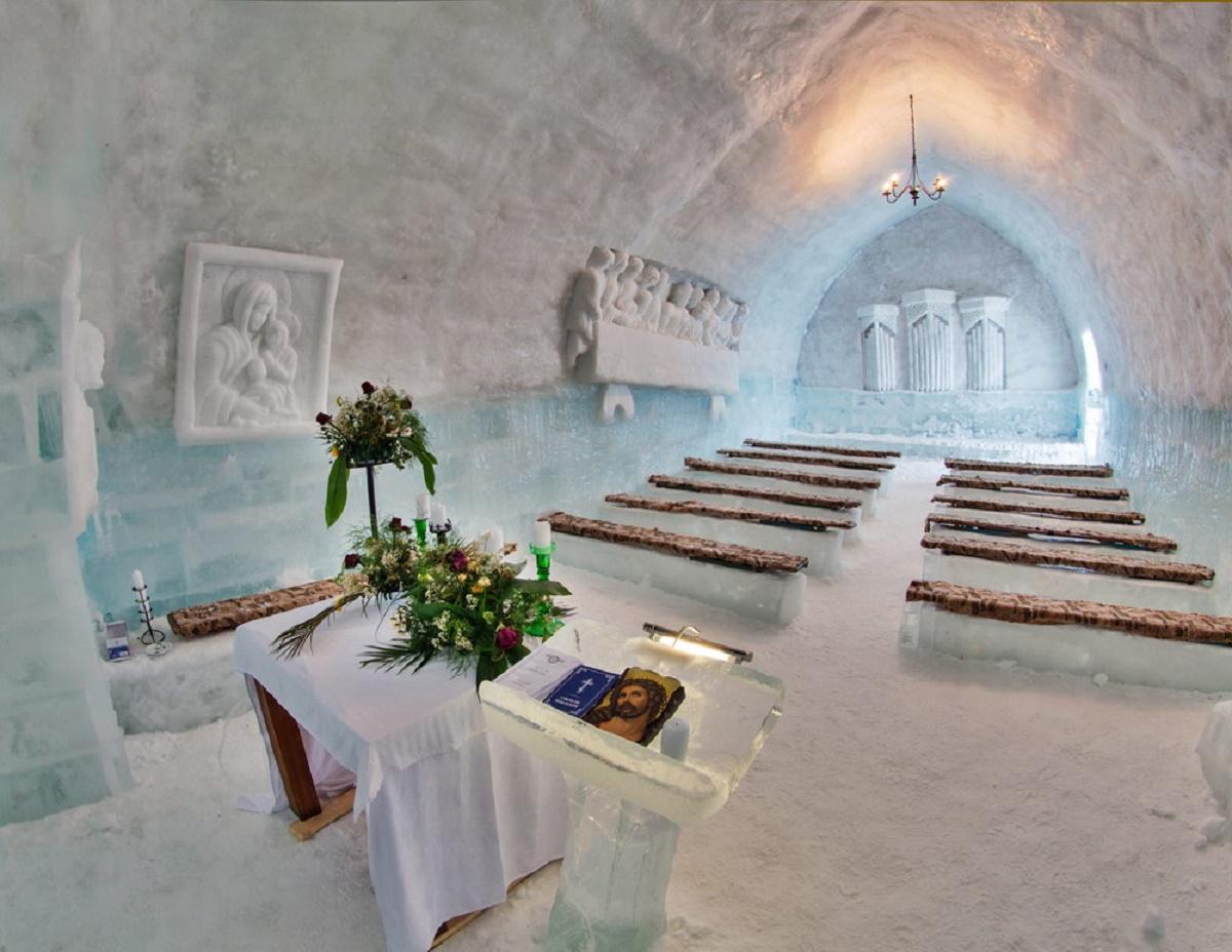 Hotelul de Gheață de la Bâlea Lac este deschis turiștilor. Lucrările de finalizare a impresionantei construcții au fost finalizate