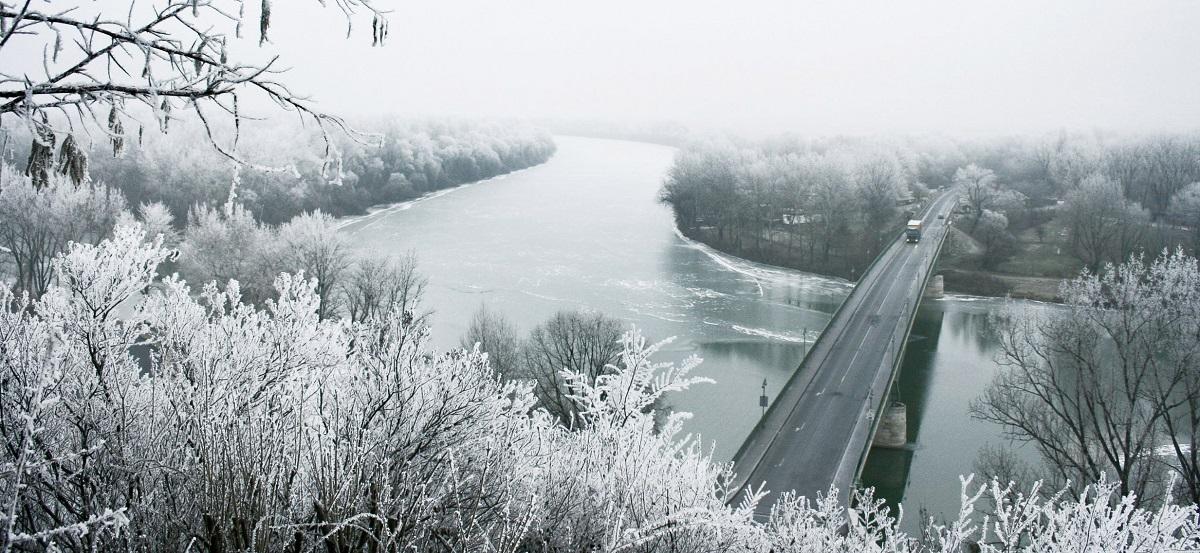 Iarnă grea în Ungaria și Polonia. Urmează zile de ger și în România