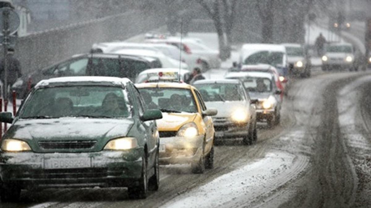 Iarna și-a intrat în drepturi! Ninge în Harghita, iar circulația se desfășoară cu dificultate. De asemenea, în județul Arad...