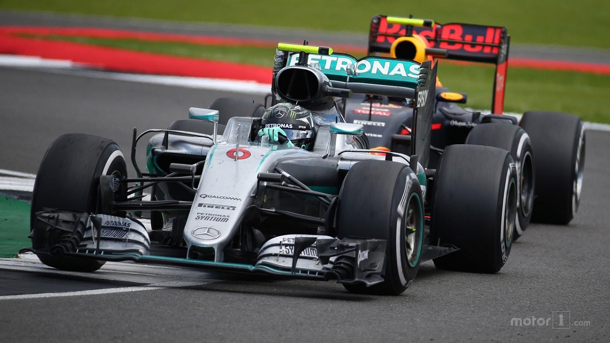 Nico Rosberg se retrage din Formula 1. Știrea este cu atât mai surprinzătoare cu cât pilotul german s-a încoronat campion mondial chiar săptămâna trecută