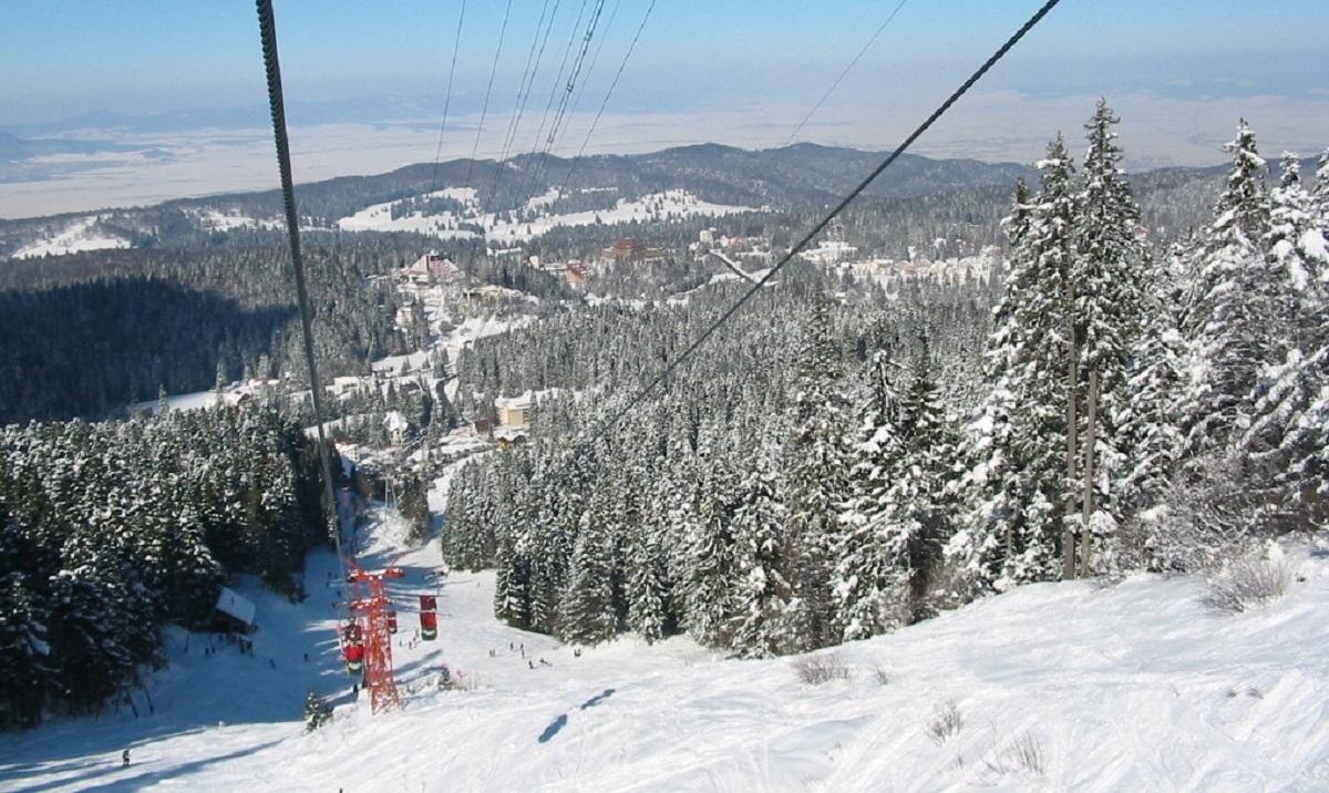 Pârtiile din Poiana Brașov s-au deschis cu două săptămâni mai devreme în comparație cu anul trecut. Excepție fac părțile inferioare...