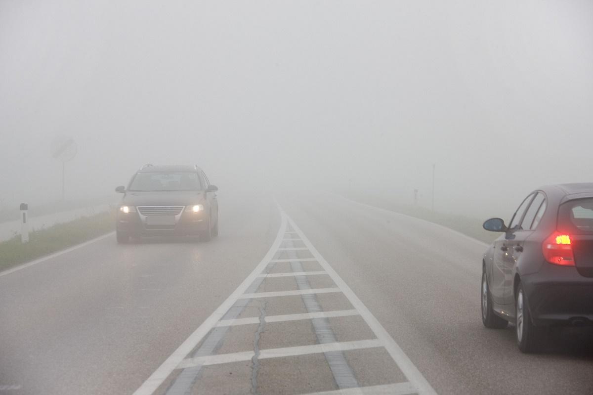 Prognoza meteo pe ziua de astăzi nu se anunță foarte bună. Meteorologii au emis un cod galben de ceață sub incidența căruia cad 3 județe.