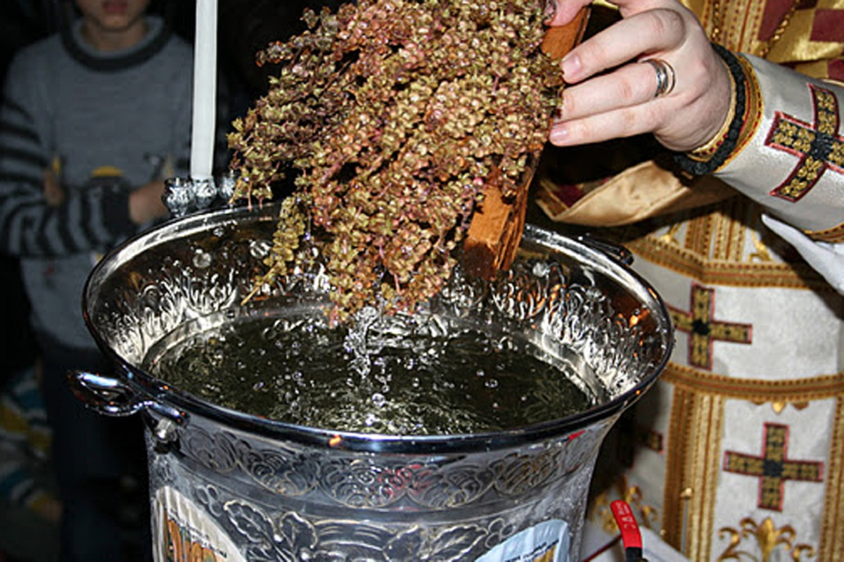 Sărbătoarea Bobotezei se serbează în fiecare an pe 6 ianuarie. Ziua marchează momentul biblic al Botezului lui Iisus în apele Iordanului.