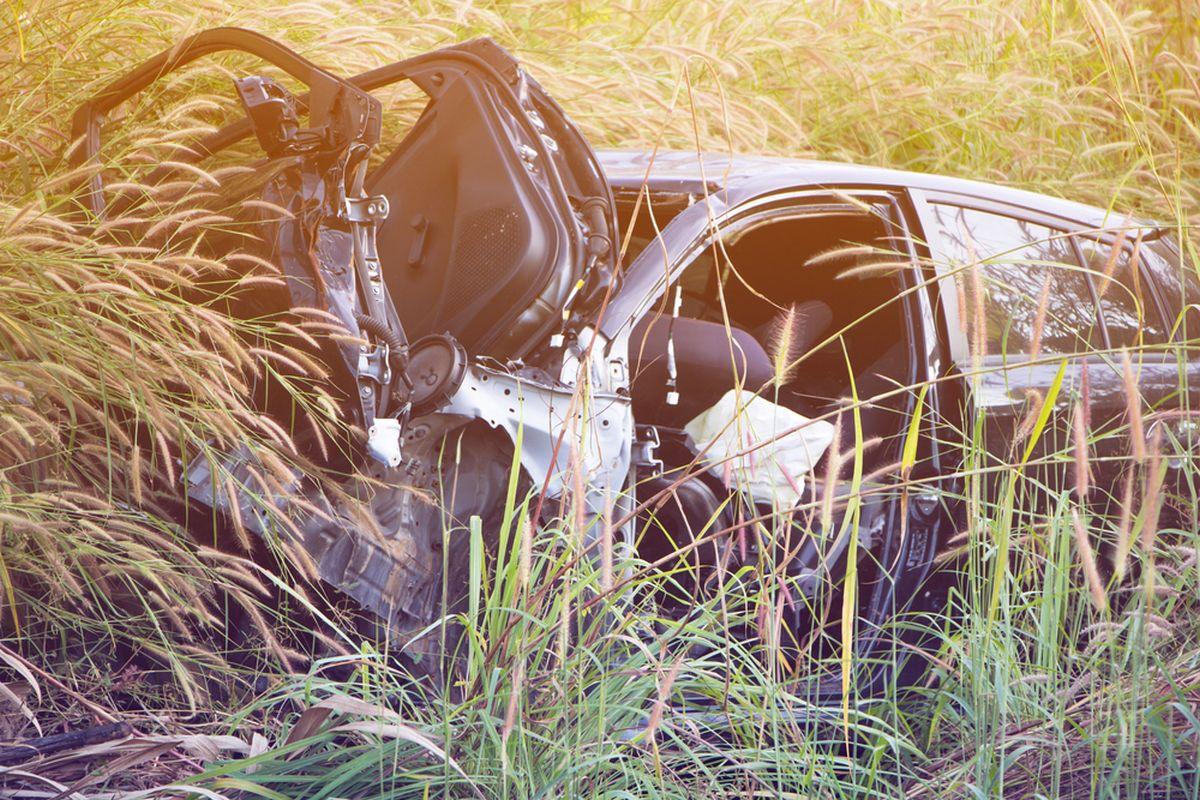 Accident teribil în Piatra Neamț, unde autoritățile au declanșat cod roșu de intervenție. Acestea au participat la salvarea mai multor călători.