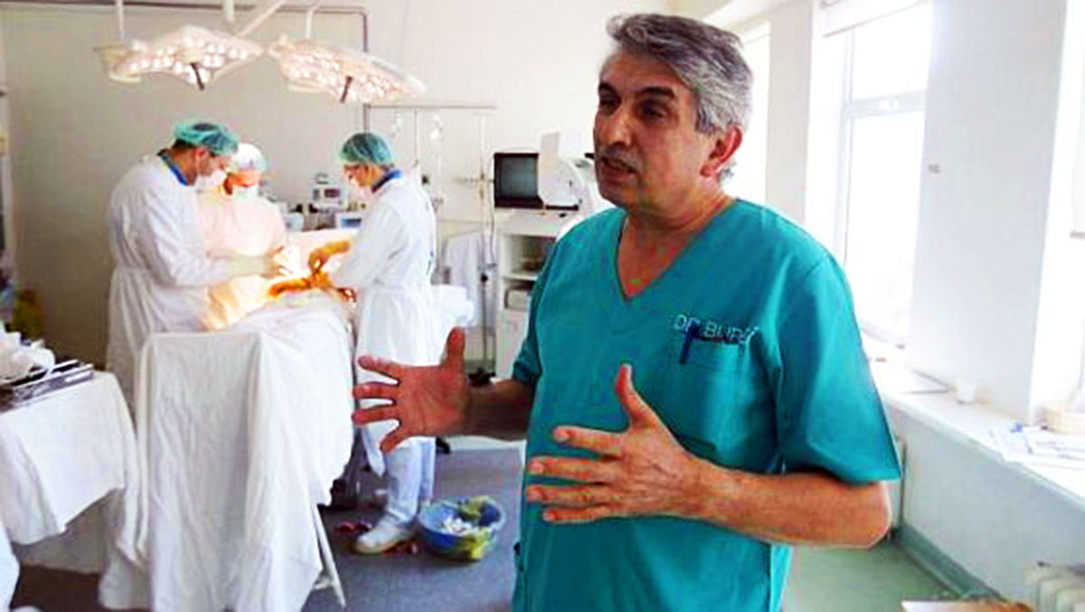 Chirurgul ortoped Gheorghe Burnei este audiat, la această oră, de poliţiştii bucureşteni, la Spitalul Marie Curie, fiind suspectat că a făcut experimente neautorizate pe copii şi că a luat mită, potrivit unor surse din Poliţie.