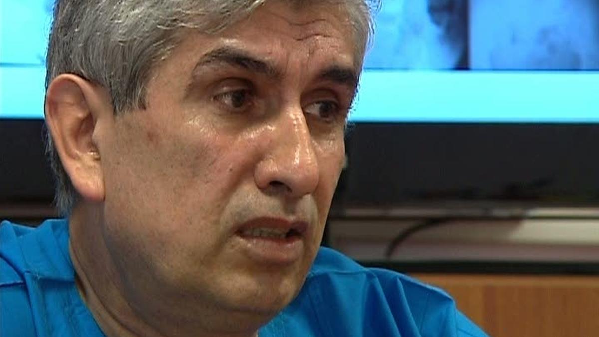 Noi dezvăluiri șocante despre medicul Burnei. Potrivit unor surse oferite pentru Antena 3, medicul Gheorghe Burnei implanta oase de vită la operații.