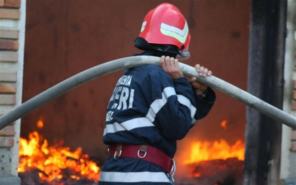 Ultimă oră! Incendiu puternic în zona Obor din București