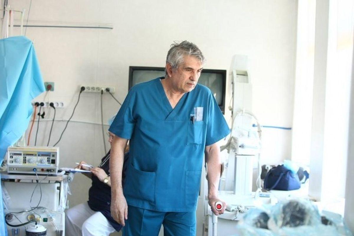 Anchetatorii au făcut o descoperire macabră în timpul percheziției din această dimineață, la medicul Gheorghe Burnei, în cabinet.