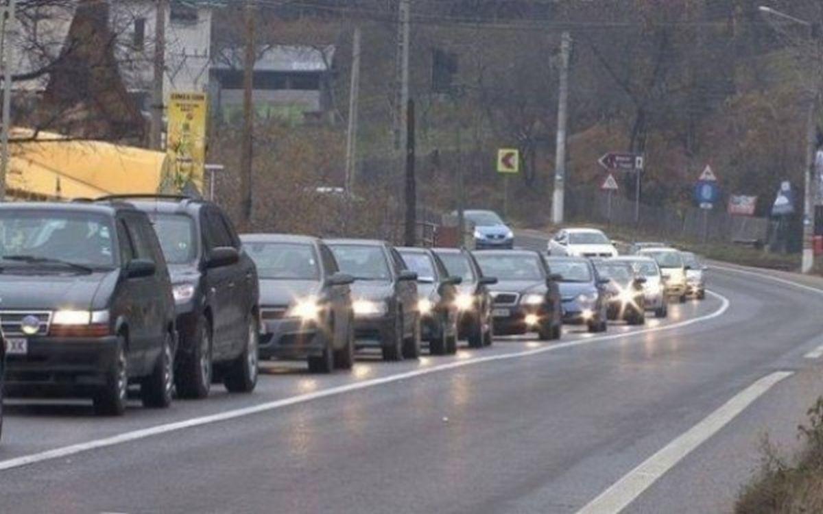 Polițiștii de la Poliția Rutieră le recomandă șoferilor ca la întoarcerea din minivacanța de Crăciun să țină cont că valorile de trafic pot crește.