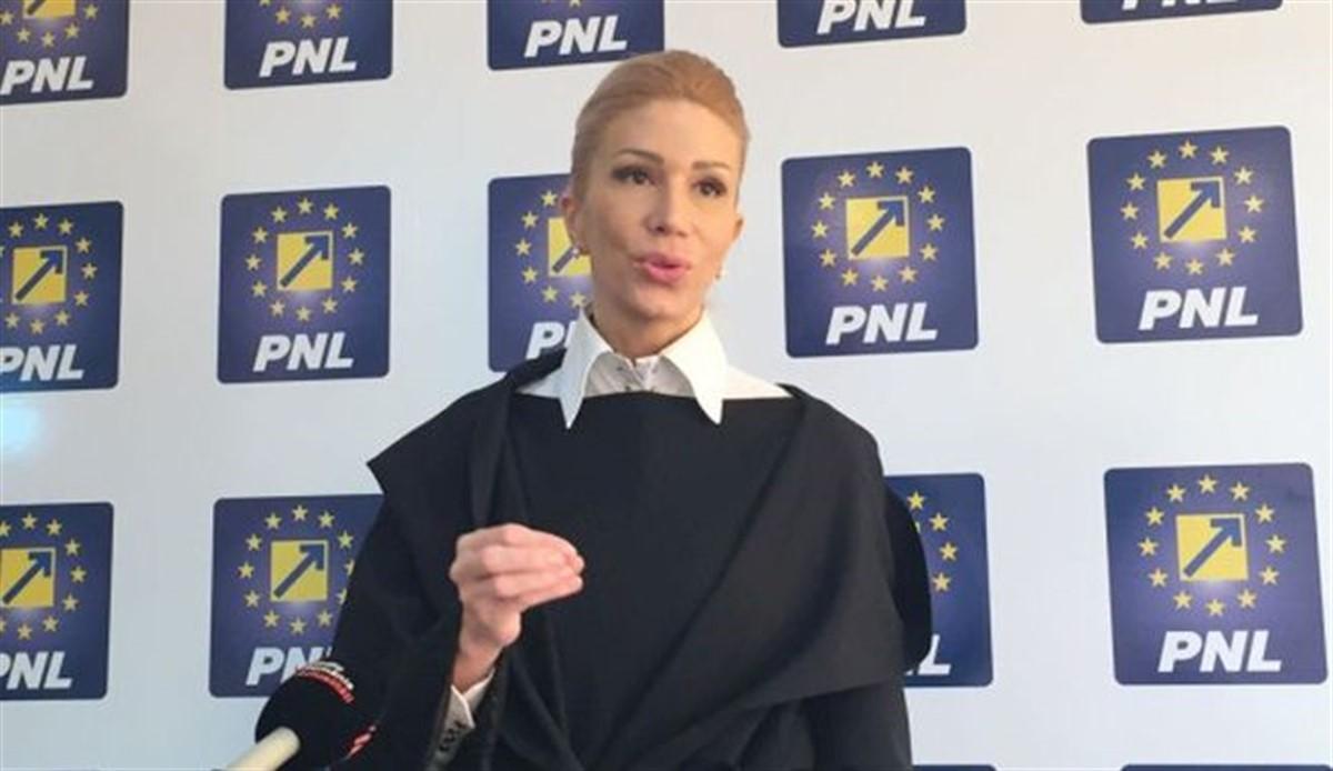 Raluca Turcan, susținută de PNL, USR și PMP la șefia Camerei Deputaților