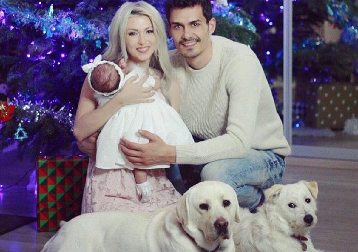 Andreea Bălan se pregătește de două mari evenimente. Vedeta și iubitul ei se vor căsători, după care își vor boteza fiica.