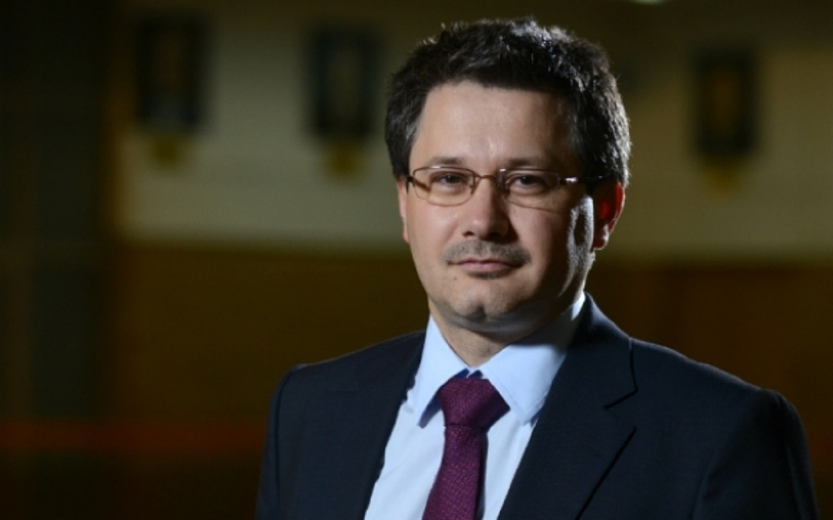 Mihnea Costoiu a fost ministru delegat pentru Cercetare Științifică în Guvernul Ponta. În prezent, este rectorul Universității Politehnica