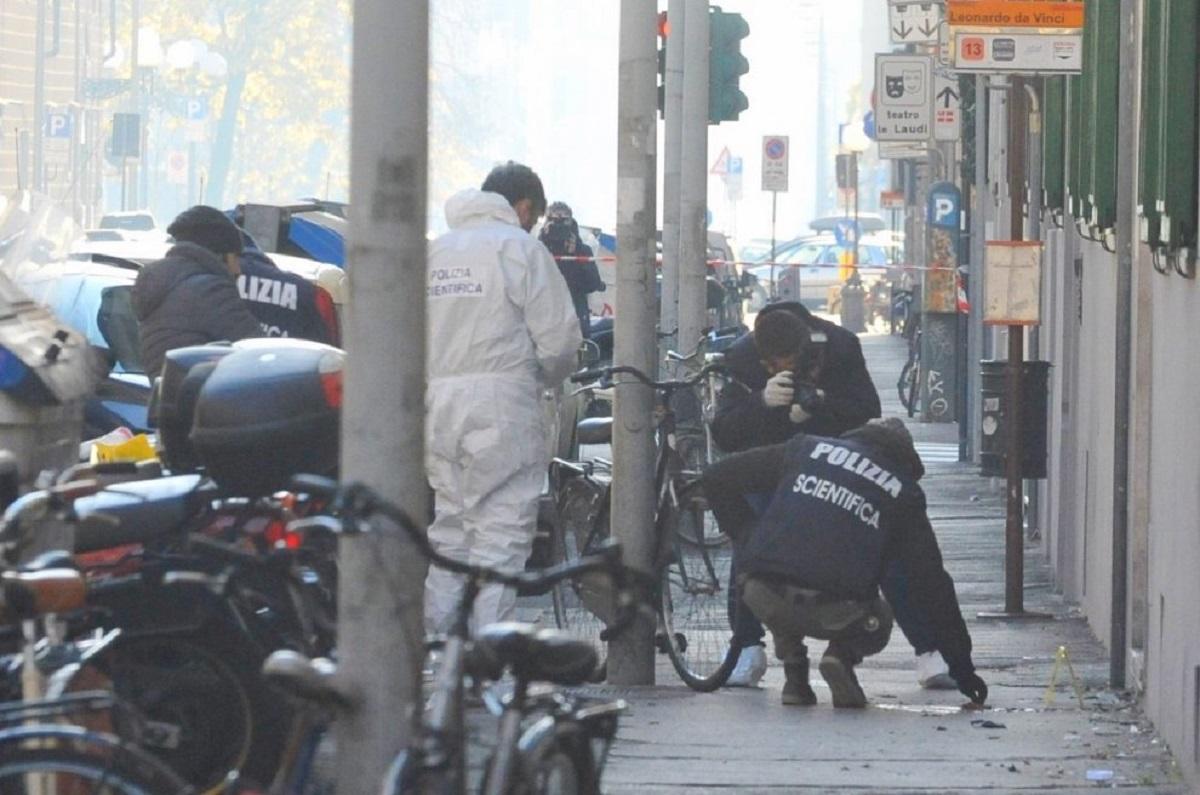 Bombă explodată în Florența chiar în timp ce un polițist încerca să o dezamorseze. Acesta a fost grav rănit. Deocamdată nu se știe autorul.