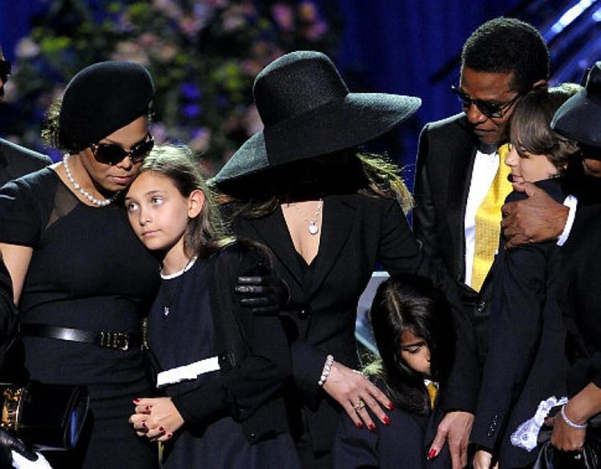 Michael Jackson a lăsat în urmă trei copii: Prince, Paris și Blanket. Cei trei s-au schimbat mult în cei opt ani trecuți de la moartea lui MJ