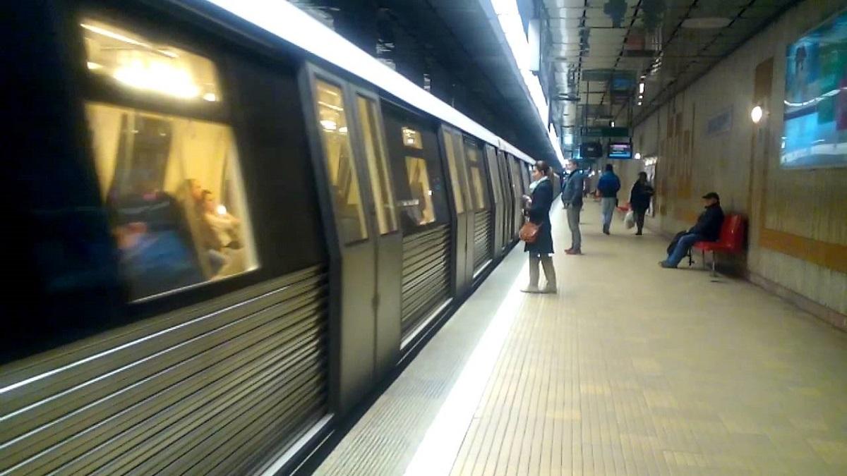 Incindent la metrou Mihai Bravu. Circulația este blocată după ce unui pasager i s-a făcut rău și a avut nevoie de îngrijiri.