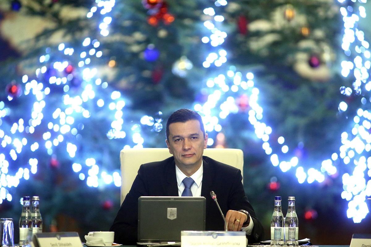 Comandament de iarnă la Palatul Victoria. Premierul Grindeanu i-a convocat pe miniștrii Transporturilor, Economiei, Internelor şi Energiei.