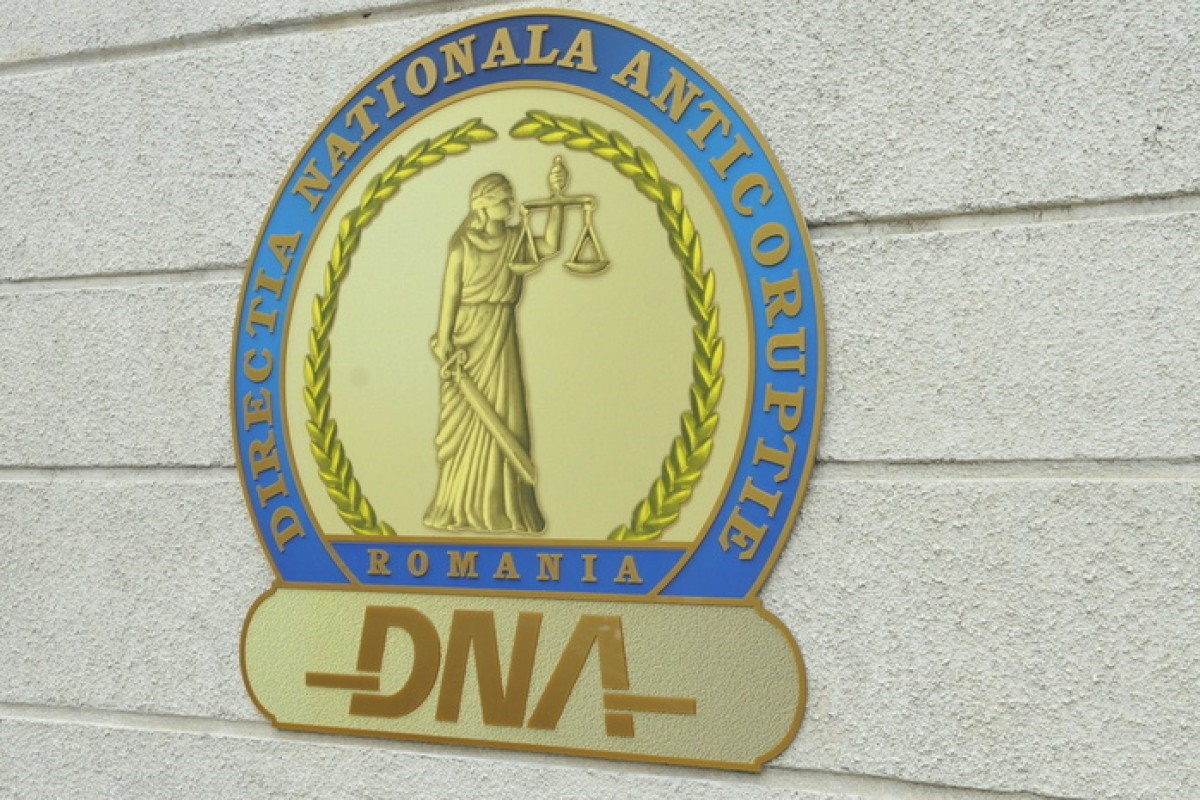 Secretar de stat din Ministerul Transporturilor, reținut de DNA