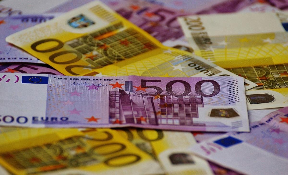 Curs valutar 18 aprilie 2018. Iată cu cât se tranzacționează un Euro, dolar, franc elvețian
