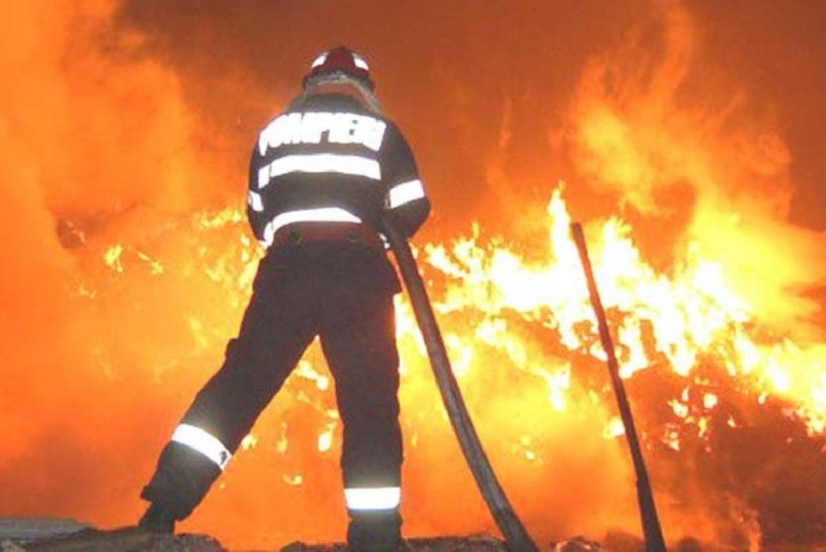 Explozie în Strehaia. Un bărbat angajat la o fabrică de confecții din localitatea Strehaia, județul Mehedinți a murit în urma unei explozii