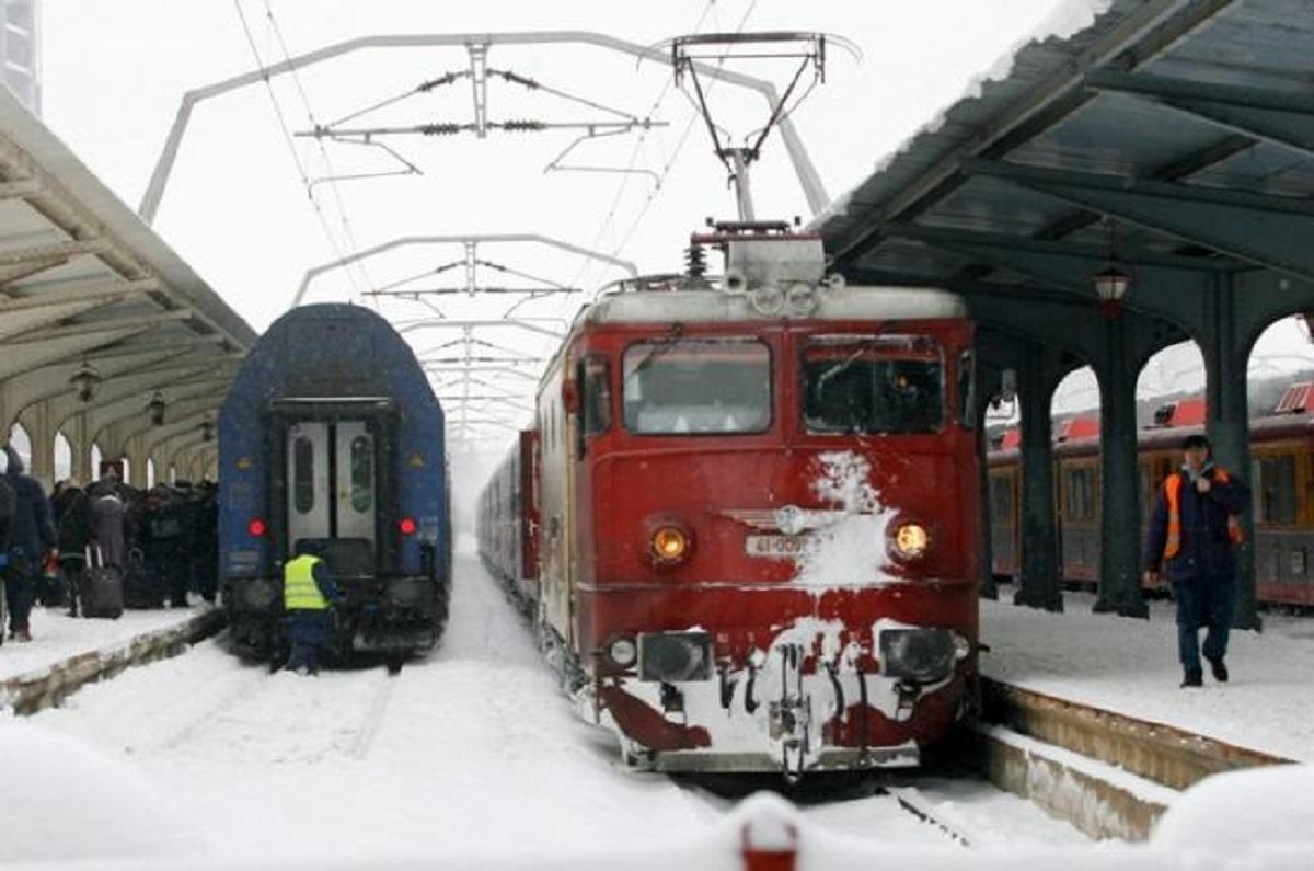 Mersul trenurilor 10 ianuarie. Zeci de trenuri au fost anulate din cauza condițiilor meteo nefavorabile. Care este situația trenurilor.