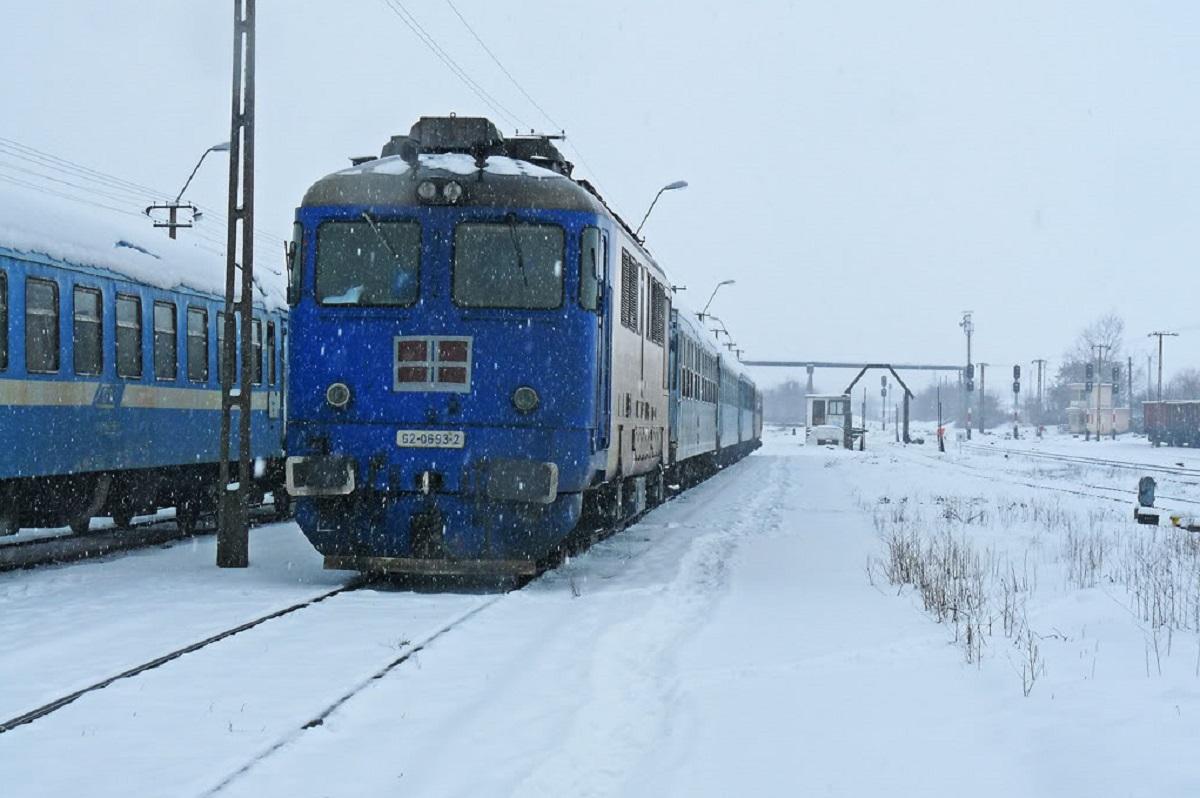 Vineri dimineață au fost anulate 46 de trenuri de persoane. CFR a luat această decizie din cauza condițiilor meteo.