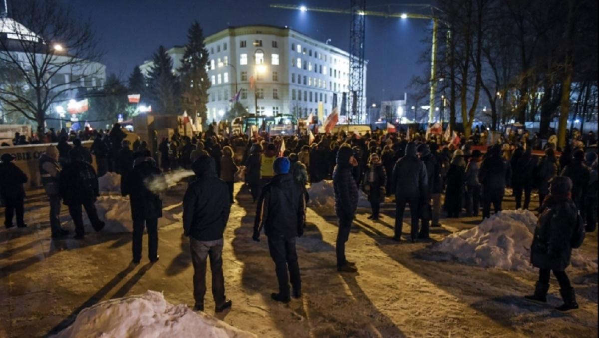 Protest la București împotriva legii gratierii și amnistiei și a modificărilor asupra Codului Penal.