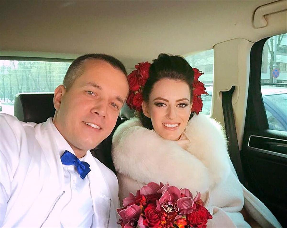 Andrei Năstase, fiul fostului prim-ministru Adrian Năstase, s-a căsătorit cu iubita sa, Bianca Ciuvăț.