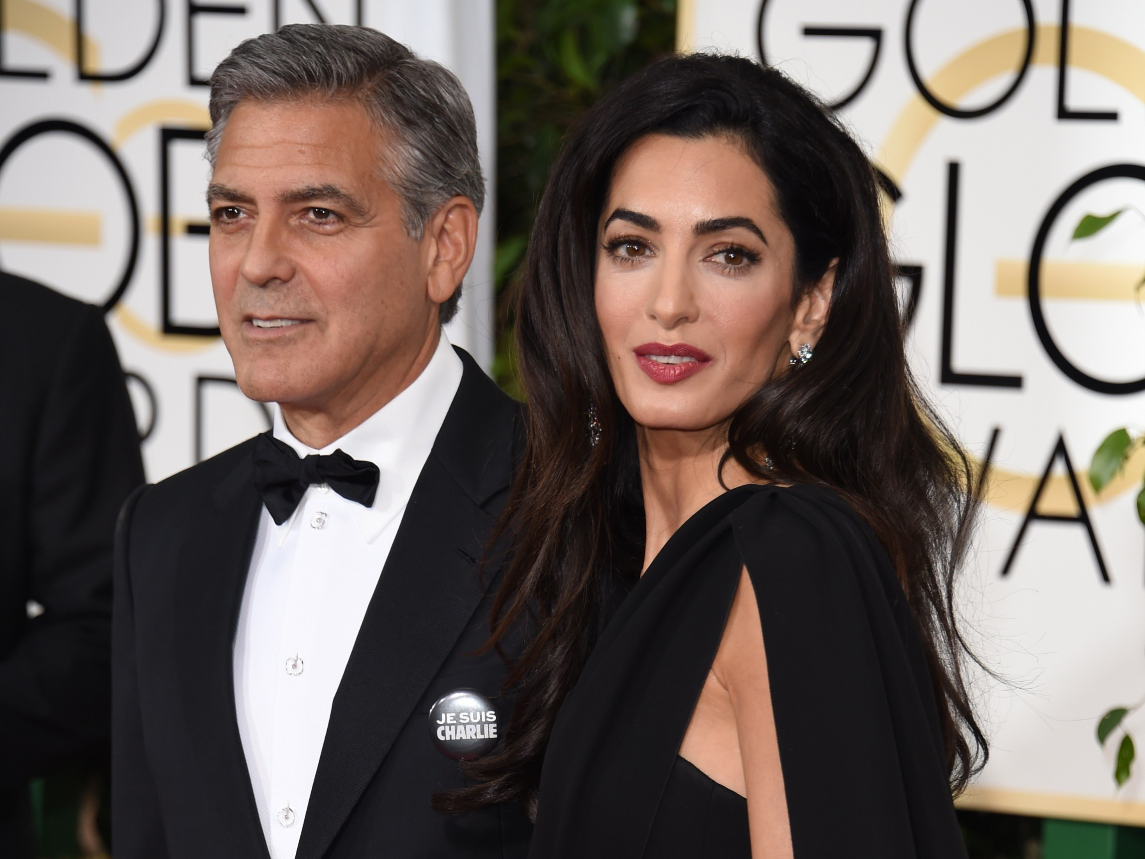 George Clooney și soția sa, Amal, vor deveni părinți de gemeni, a declarat o sursă din anturajul familiei, citată de Daily Mail.