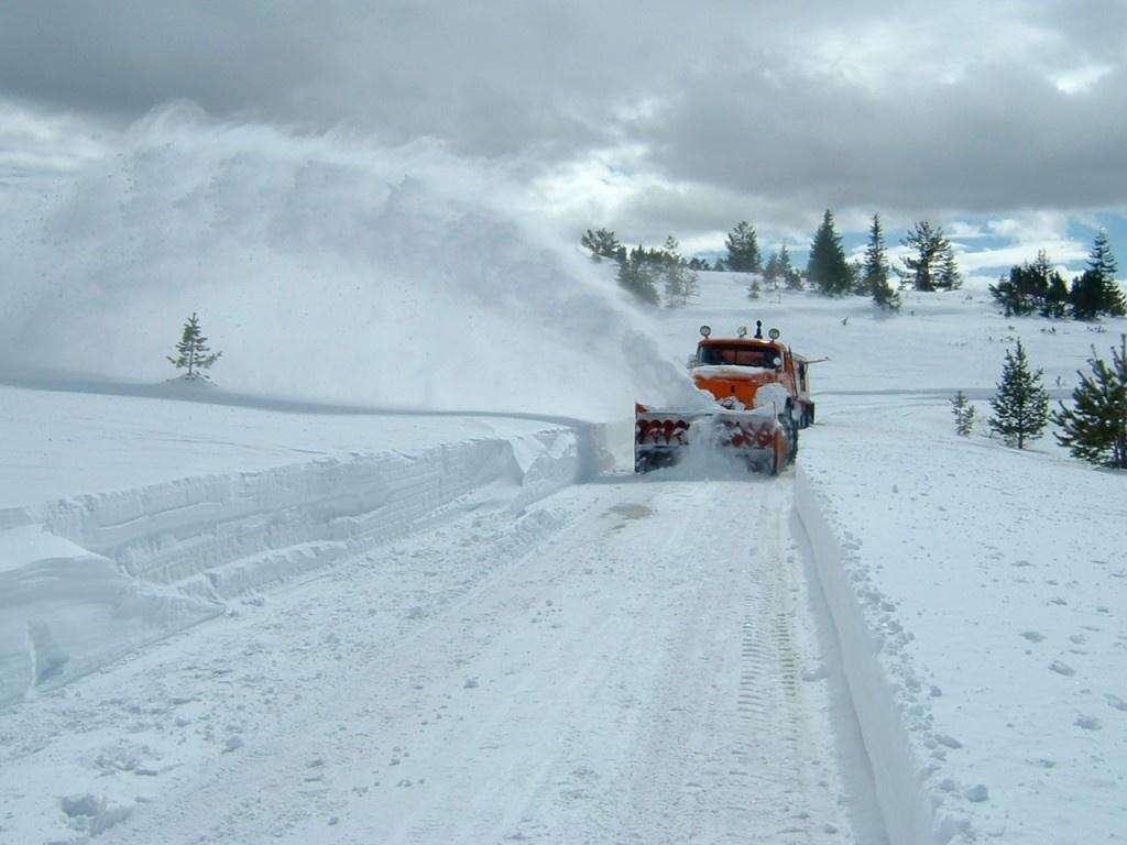 Sunt mai multe drumuri închise pe 8 ianuarie, din cauza condițiilor meteorologice. În continuare sunt probleme pe Autostrada Soarelui.