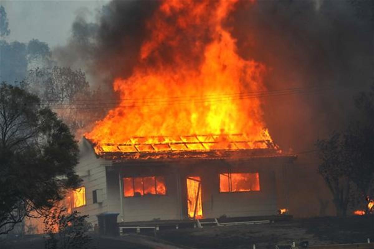 Incendiu în Borșa, județul Maramureș. Un copil de doar 10 ani a murit, după ce casa în care se afla a fost cuprinsă de flăcări.