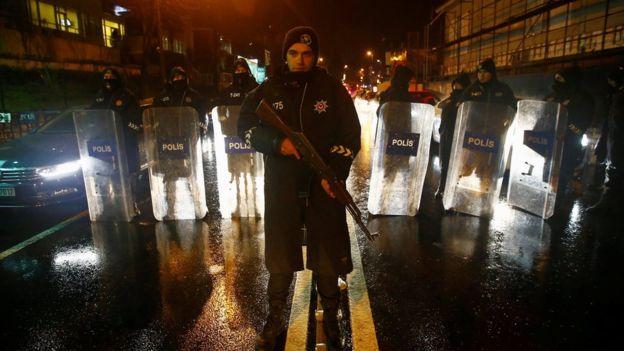 Bilanț victime Istanbul: 39 de morți, 69 de răniți în urma atacului armat din club