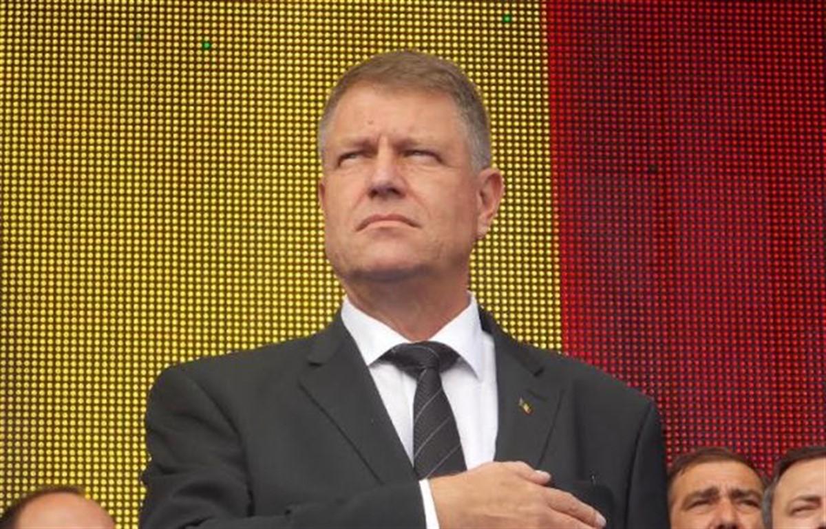 Președintele Klaus Iohannis a solicitat Guvernului să retragă proiectele de ordonanță privind grațierea și modificarea Codului Penal.