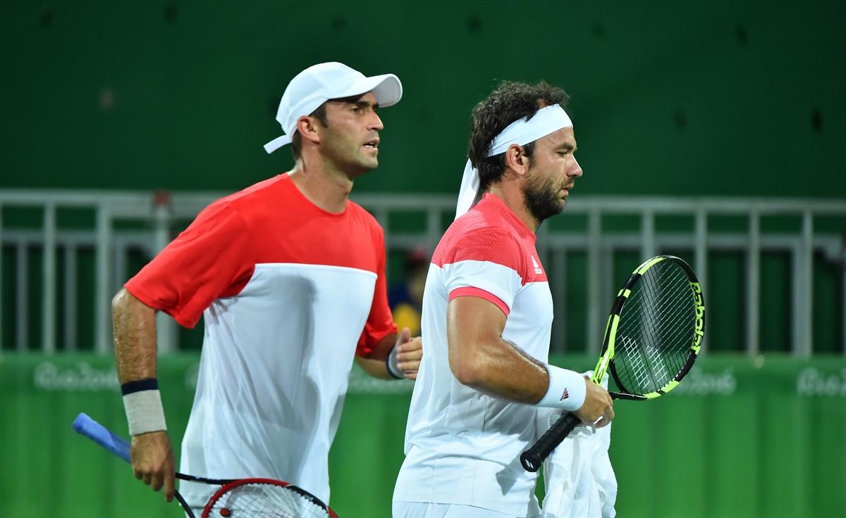 Mergea și Tecău au ajuns în optimile de finală ale probei de dublu de la Australian Open. Perechile din care fac parte românii s-ar putea duela în sferturi.