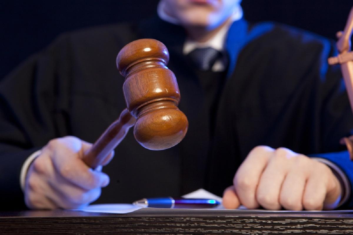 Curtea Constituțională dezbate sesizarea Avocatului Poporului împotriva OUG privind Codurile penale. Ședința începe la 11:00.