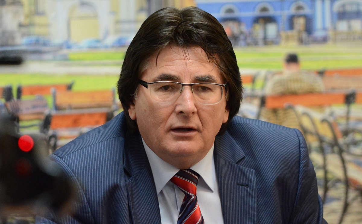 Nicolae Robu, primarul Timișoarei, a ajuns la DNA. Acesta a declarat că nu știe de ce a fost chemat și că nu ar avea legătură cu corupția.