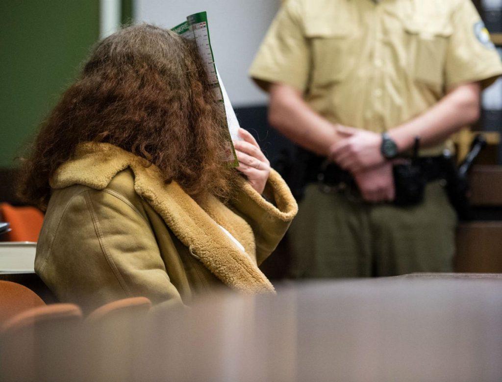 O femeie și-a decapitat iubitul cu un fierăstrău, în timp ce făceau sex