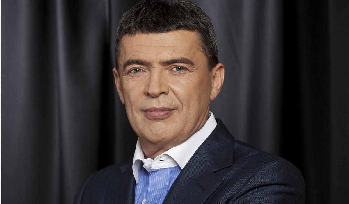 Marian Petrache (PNL), președintele Consiliului Județean Ilfov, este acuzat de șantaj și luare de mită. El s-a prezentat azi la sediul DNA.