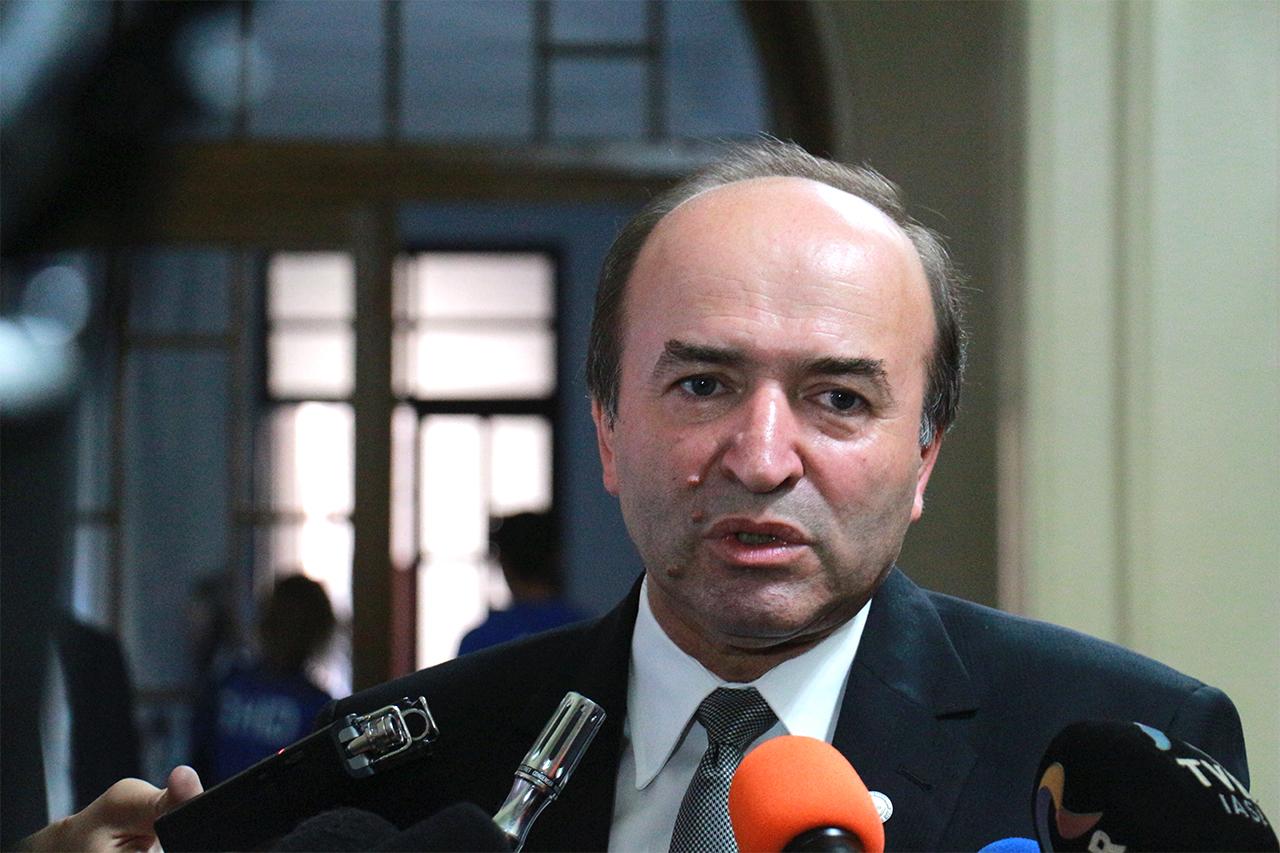 Se pregătesc schimbări de miniștri în Guvernul Grindeanu. Conform unor surse politice, Tudorel Toader ar urma să fie numit la Justiție.