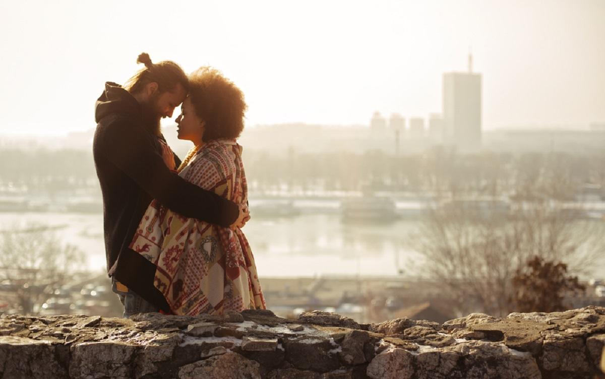 Secretul unei relații de durată este conștientizarea celor cinci etape ale iubirii. Dacă știi să treci prin toate etapele, vei fi fericit.