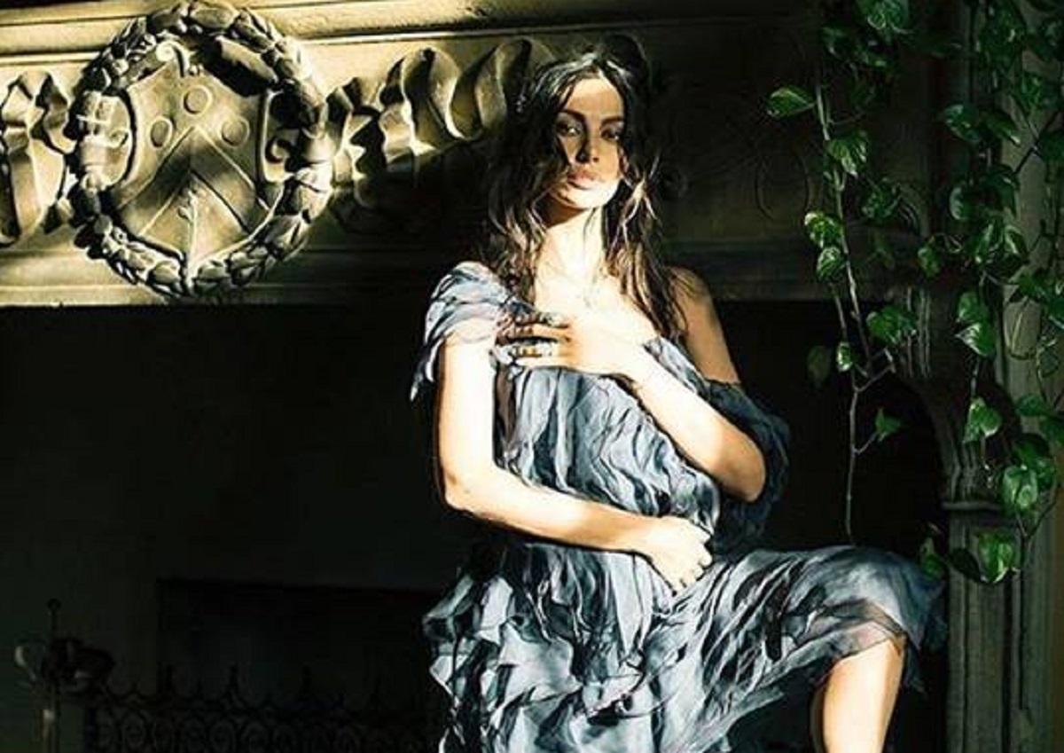 Mădălina Ghenea a împărtășit prietenilor virtuali faptul că s-a gândit că va păstra secretul sarcinii pentru mai mult timp.