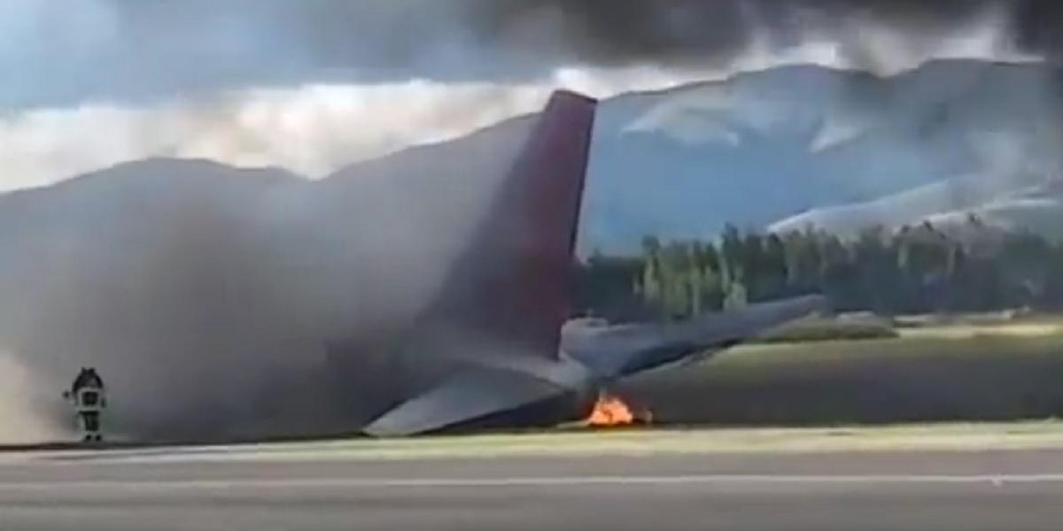 Un avion a luat foc la aterizare pe un aeroport din Peru. În aeronava se aflau 141 de persoane. Martorii au surprins imagini video.