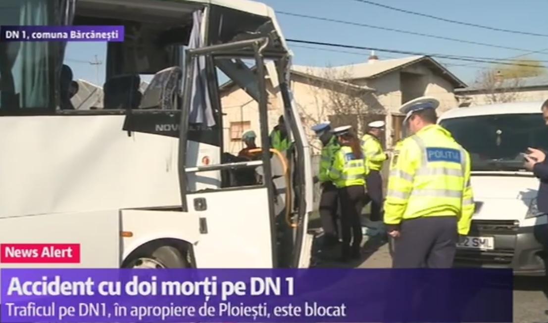 Accident în Bărcănești, județul Prahova, marți dimineață, pe DN 1. Doi oameni au murit, iar alți opt au fost răniți și duși la spital.