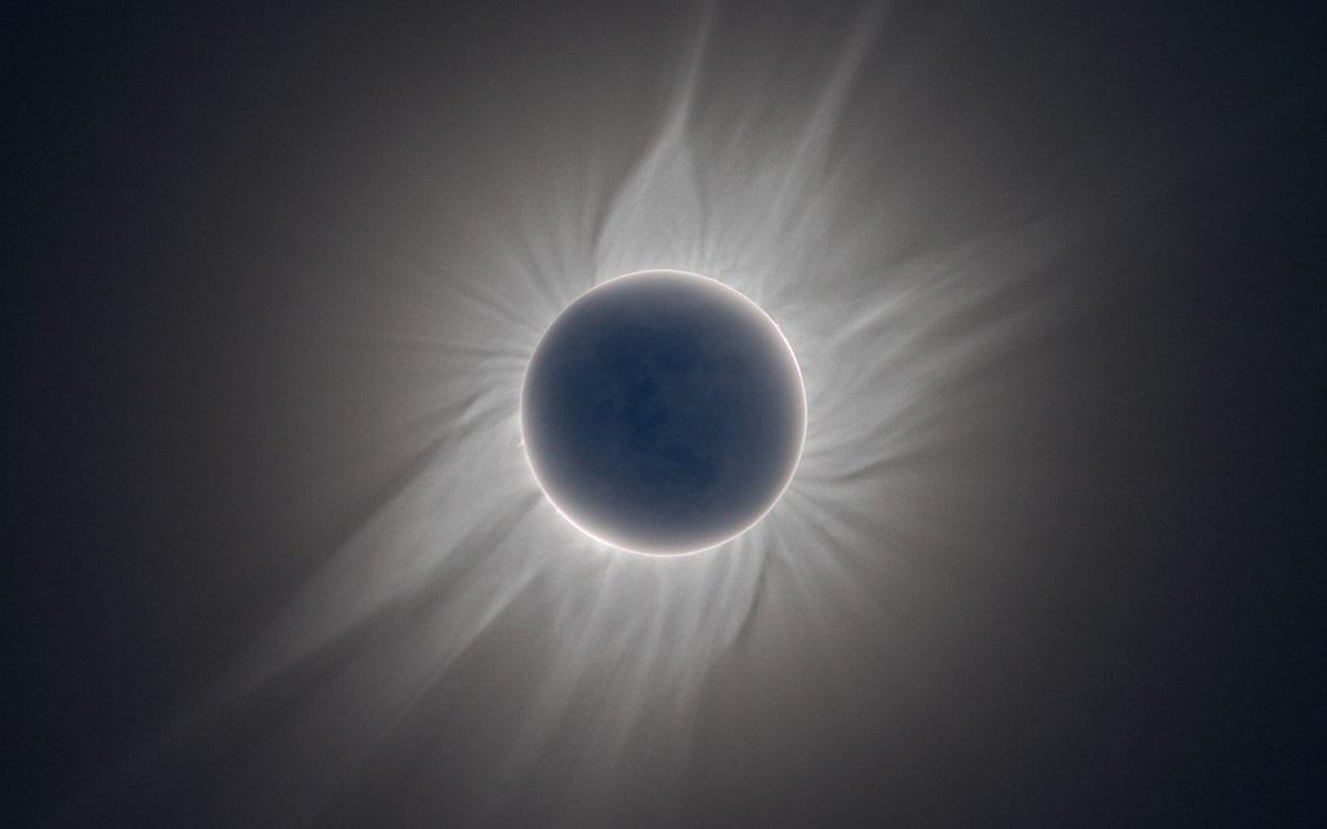 Eclipsă totală de soare august 2017 - Acest fenomen astronomic este unul deosebit de important pentru toate zodiile,